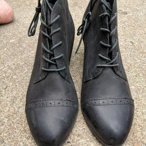 Bass Shoes - NWOT Bass Black Leather Heeled Booties Size 11M